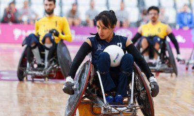 Lima, vendredi 23 août, 2019 - Paola Martinez de la Colombie joue le ballon dans le match de rugby en fauteuil roulant contre le Brésil à Polideportivo Villa El Salvador lors des jeux parapanaméricains de Lima 2019 .