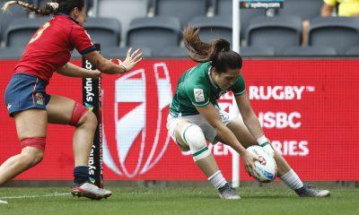 L'irlandaise Amee-Leigh Murphy Crowe inscrit un essai contre l'Espagne lors du 2e jour du HSBC Sydney Sevens 2020
