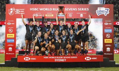 La Nouvelle-Zélande célèbre la victoire en finale de la Coupe contre le Canada lors de la deuxième journée de la compétition HSBC Sydney Sevens 2020 au Bankwest Stadium le 2 février 2020 à Sydney, en Australie.